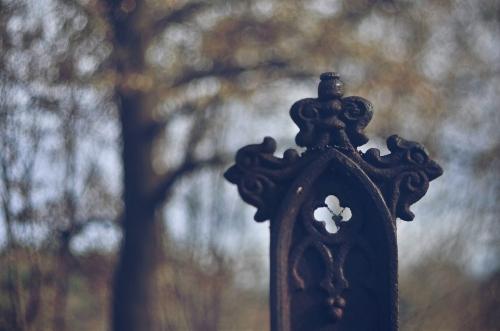 12-3-17 ironcross cross cemetery bokeh beads 1920