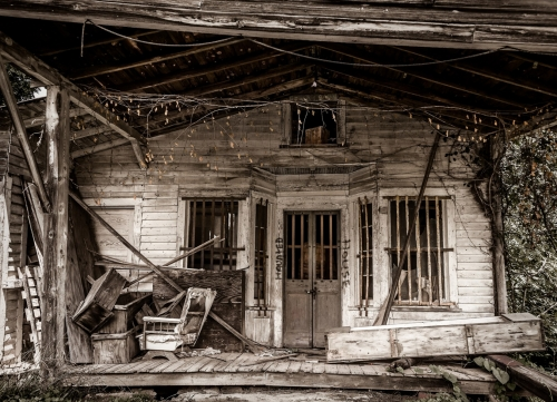 Abandoned-House-on-Hwy-150