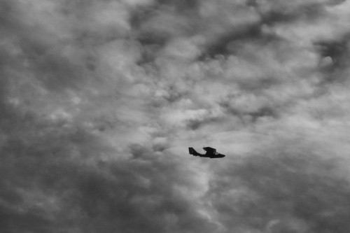 CN-Plane_in_the_Clouds_3000