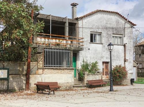 Forgotten Plaza 1920x1424