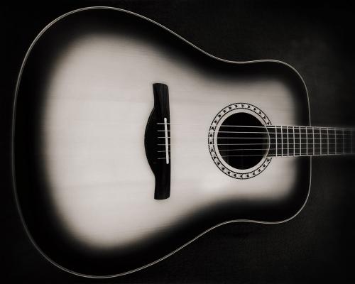 IMG_4003-Guitar_1920_