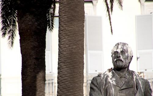 Nan Sincero Statue Esque