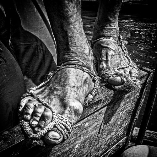 lingoFeet of the Boatman